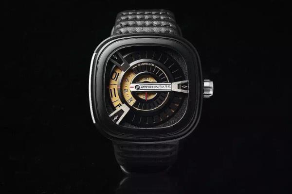 Sevenfriday黑色款腕表测评