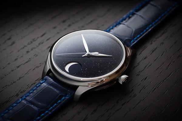亨利慕时手表勇创者恒动月相沙金手表品鉴