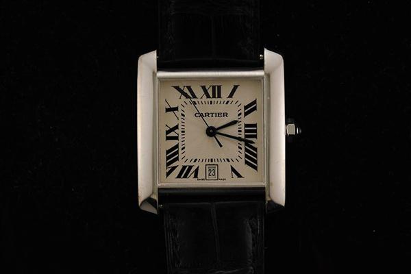 卡地亚手表怎么戴