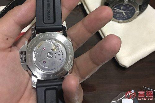 沛纳海LUMINOR系列PAM01359腕表外观